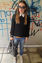 black balenciaga bag - blue DSquared jeans - black Tom Ford sunglasses