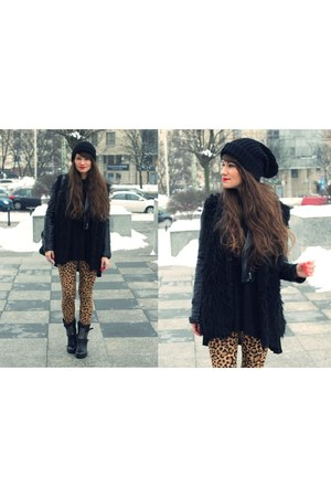 black boots - bronze leggings - black vest
