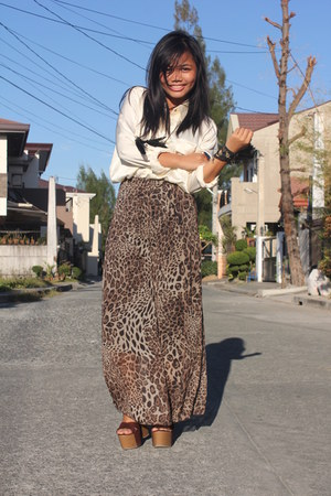 dark brown leopard thrifted pants - cream Forever 21 top