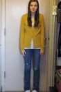 Gold-target-cardigan-blue-levis-jeans-white-arizona-t-shirt-white-payless-