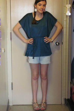 blue top - blue shorts - silver shoes