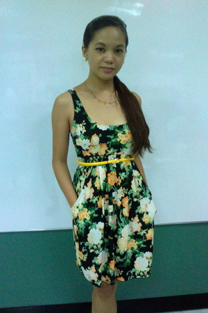 yellow floral Thrifty Trends dress