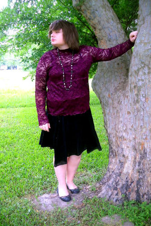 magenta lace top vintage blouse - black flowy Star City skirt - black beaded Top