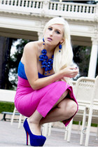hot pink pencil skirt Jensen skirt - blue platform Betsey Johnson shoes