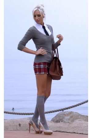 red plaid mini unknown brand skirt - charcoal gray H&M sweater