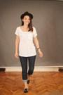 Topshop-jeans-dark-brown-hat-white-t-shirt-black-flats-black-bracelet