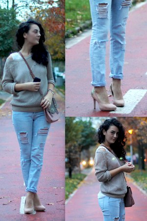 light blue denim ripped Zara jeans - camel crochet H&M sweater