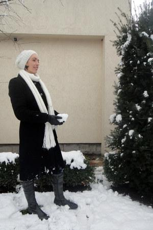 Terranova hat - Jette boots - Terranova scarf