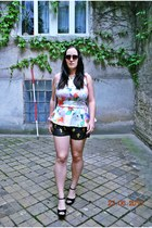 H&M top - vintage bag - Sheinside shorts - H&M sunglasses - romwe necklace