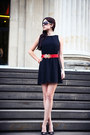 Black-asos-dress-silver-i-am-sunglasses-moms-belt