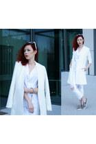 white Levis jeans - white Choies blazer - beige sneakers - white Zara top