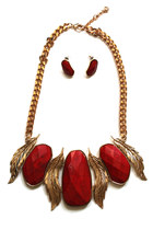 Leaf-chunky-necklace