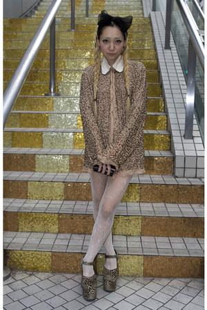 light brown animal print vintage shoes - light brown sequined vintage dress