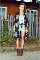 present vintage shorts - stylowebuty boots - diy kimono Indie Shop dress