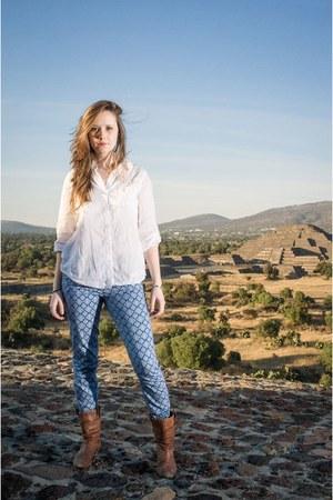 blue print Zara pants - ivory tunic shirt