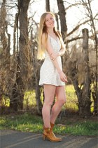 camel shoes Blackstone boots - white sun lace dress