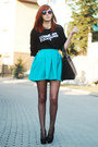 Black-tideshe-sweatshirt-black-kupbuty-heels-preska-skirt