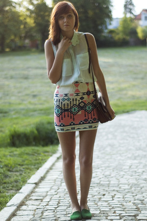 light blue H&M shirt - dark brown vintage bag - bubble gum Bershka skirt