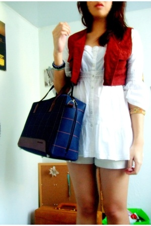 Mango vest - Gap blouse - brandless shorts - Neckerman purse