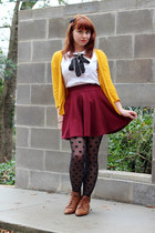 maroon skater H&M skirt - brown lace-up vintage boots