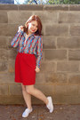 Blue-thrifted-vintage-shirt-red-unknown-brand-skirt-white-keds-shoes-red-v