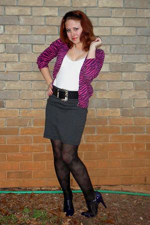 hot pink Delias cardigan - deep purple xappeal shoes - black Betsey Johnson tigh