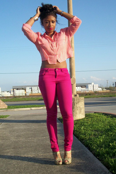 Hot-pink-denim-forever-21-jeans-hot-pink-cotton-forever-21-shirt_400