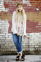 ivory BraveGrrl sweater - blue Doctrine jeans