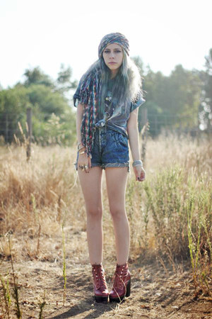 blue vintage shorts - brick red Jeffrey Campbell boots