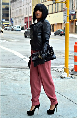 pink trouser pants - black leather BCBGeneration jacket