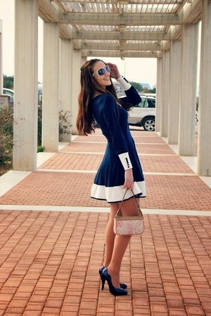 navy sammydress dress - off white leather Louis Vuitton purse