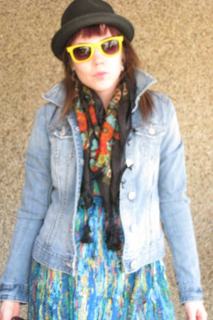 black Roxy hat - yellow krew sunglasses - black Aldo scarf - blue garage jacket 