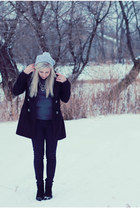 silver knit Ardene hat - black wool Stitches coat