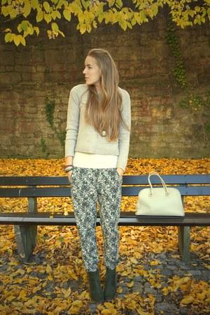 floral print H&M pants - khaki Deichmann wedges - vintage belt
