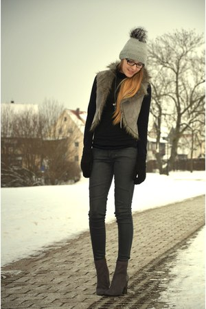 snake grey H&M boots - silver Levis jeans