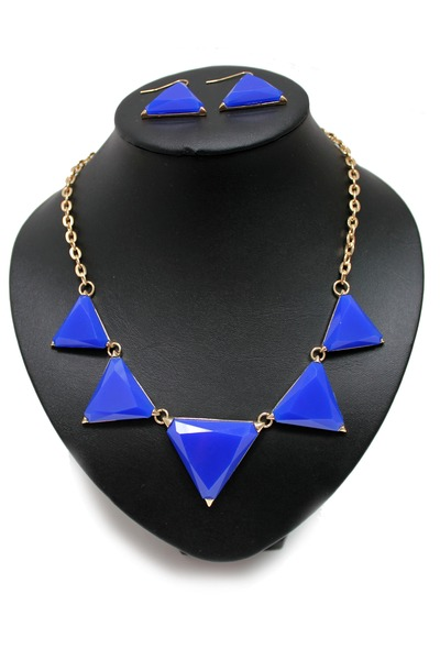 blue unbranded necklace