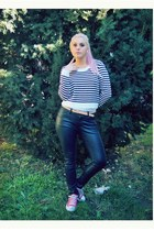 black leather H&M jeans - H&M sweater - pink low Converse sneakers