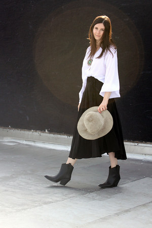 black Givenchy boots - heather gray vintage hat - white Elizabeth and James blou