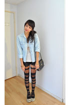 blue denim top - black Urban Outfitters tights - gold necklace - black Kimchi Bl