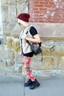 Beige-faux-fur-random-vest-black-military-thrifted-vintage-boots