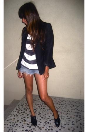 white Urban Outfitters blouse - gray Dolce Vita shoes - black vintage blazer