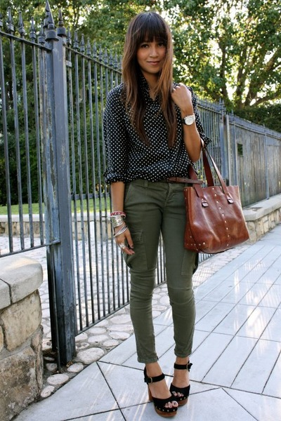 black blouse - green free people jeans
