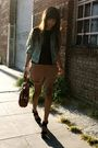Black-moschino-blouse-beige-thrifted-shorts-blue-gap-jacket-beige-alexande