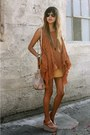 Camel-suede-f21-skirt-off-white-hobo-international-bag