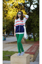 green Stradivarius jeans - white vintage jacket