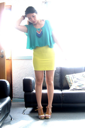 Soulier chunky heels - thrifted top - H&M skirt - Antifashion necklace