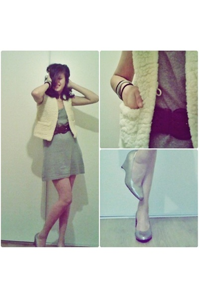From my childhood i used to hate it blazer - second hand belt - H&amp;M dress - H&amp;M 