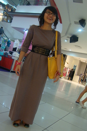 dress - belt - purse - shoes