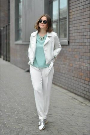 white pull&bear jacket