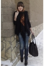 Brown-vintage-scarf-black-zara-vest
